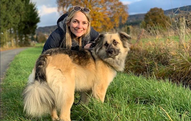 Kooijman with a dog