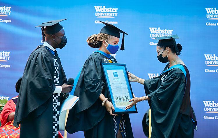 Honoring the speaker at Webster Ghana commencement 2021