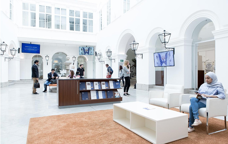 The lobby in the Palais Wenkheim at Webster Vienna