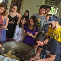Students from abroad learning about Thai culture