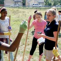 Webster Professor Works with Area Sixth-Graders on National Bee Study