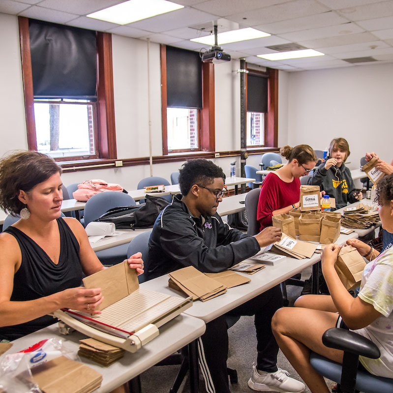 Students get crafty in a freshman seminar class on behalf of the community
